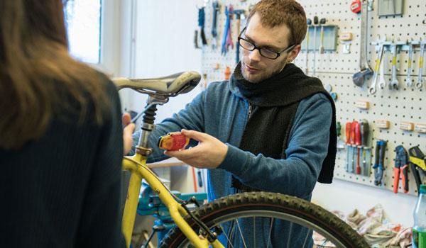 Im BTZ Köln bieten wir vier Trainingsbereiche mit unterschiedlichen Tätigkeitsfeldern für die berufliche Rehabilitation an.